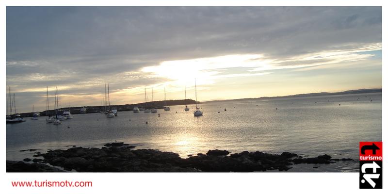 El sol refleja en el mar en Punta del Este