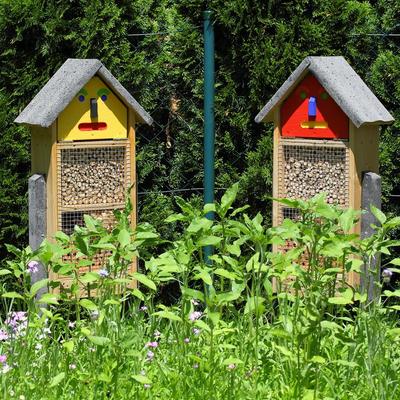 Kleine Insektenhotels im Garten