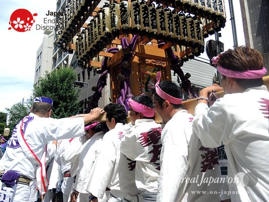 「大久保神輿会」2016年 横浜開港祭 みこしコラボレーション_YH16_072