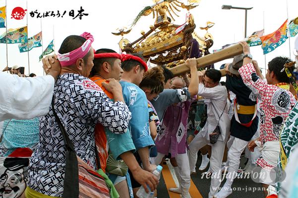 〈2014年 羽田まつり・各町神輿連合渡御〉稲荷前 町会