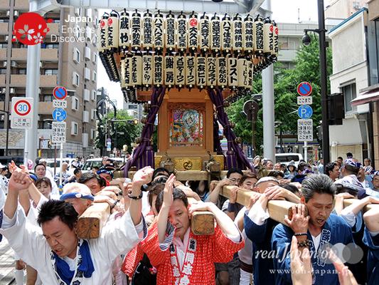 「大久保神輿会」2016年 横浜開港祭 みこしコラボレーション_YH16_070