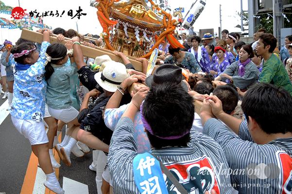 〈2014年 羽田まつり・各町神輿連合渡御〉仲羽田 町会