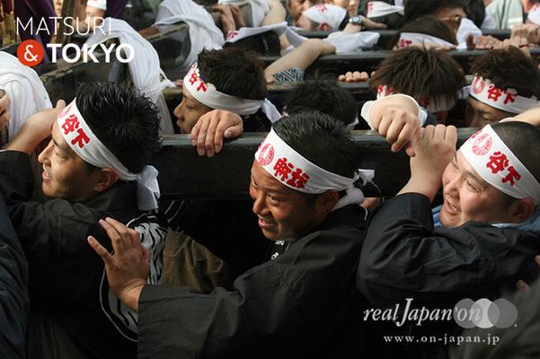 〈下谷神社大祭〉本社神輿渡御 2016.05.08 ©real Japan 'on! (sty16-017)