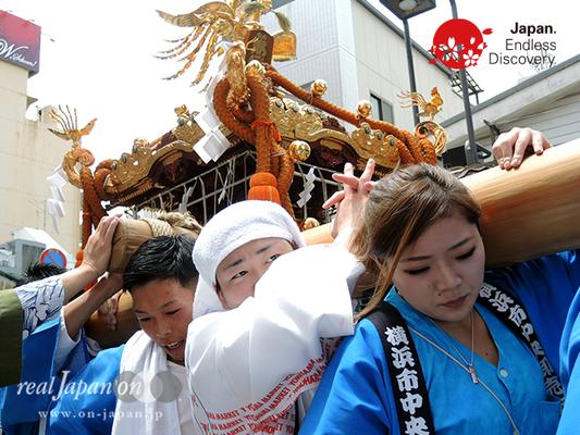 「魚河岸神輿會」2016年 横浜開港祭 みこしコラボレーション_YH16_009