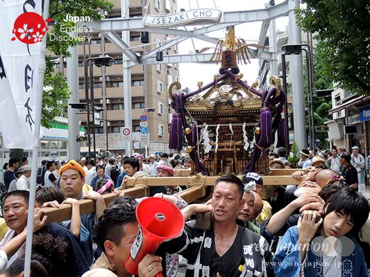 「横浜祭友会」2016年 横浜開港祭 みこしコラボレーション_YH16_054