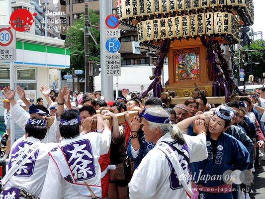 「大久保神輿会」2016年 横浜開港祭 みこしコラボレーション_YH16_069