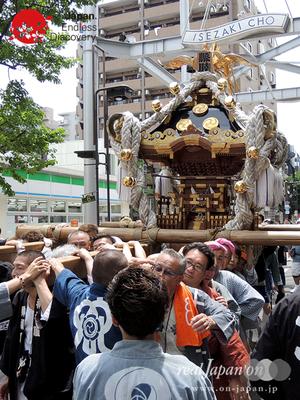 「縣睦 (神奈川県神輿保存会)」2016年 横浜開港祭 みこしコラボレーション_YH16_082