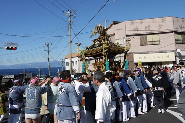 伊豆大島椿まつり, 江戸みこしとあんこパレード, 神輿パレード