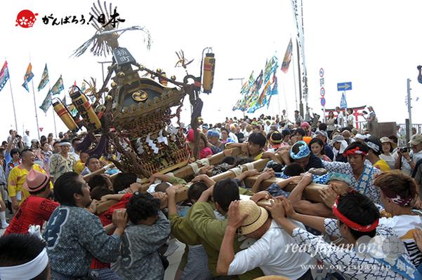 〈2014年 羽田まつり・各町神輿連合渡御〉横町 町会