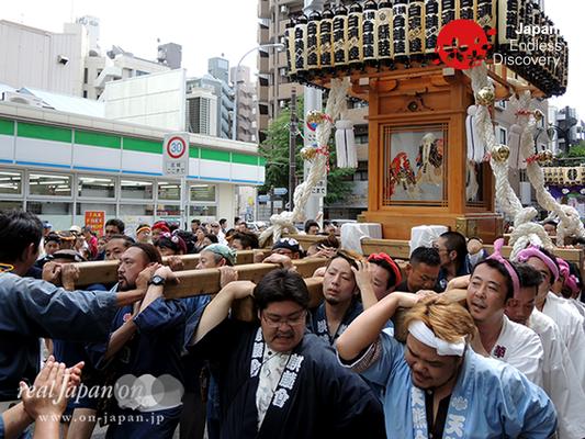 「白漣睦」2016年 横浜開港祭 みこしコラボレーション_YH16_074