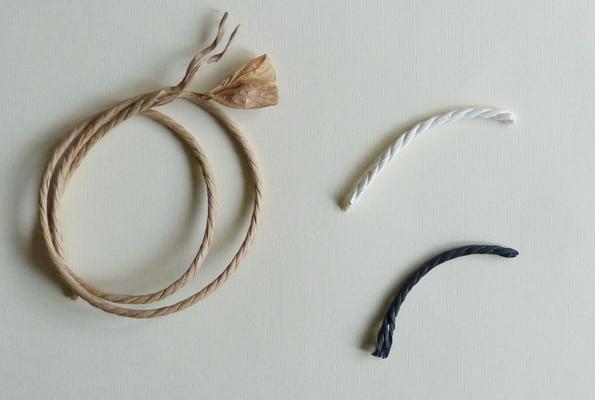 Corde danoise véritable en papier couleur kraft, blanche et noire / Real danish cord in kraft paper, white and black.