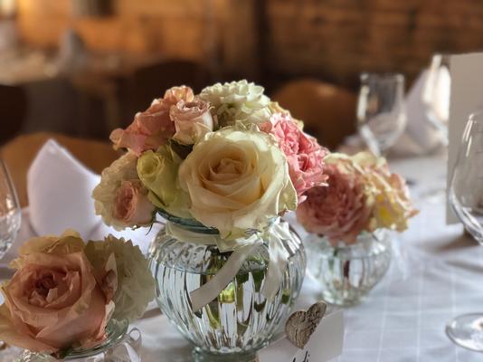 Hochzeitsdeko für die festliche Tafel