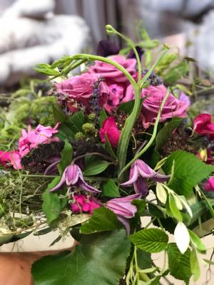 Wir binden kreative Blumensträuße ...