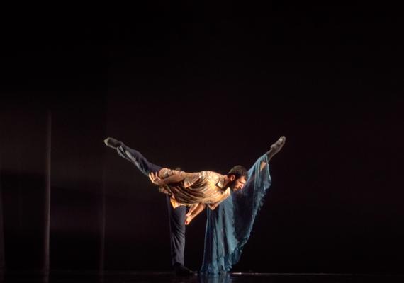 Dark Swan by Saeed Hani Moeller at Hong Kong Choreography Festival with Li Sze Justyne (HK)