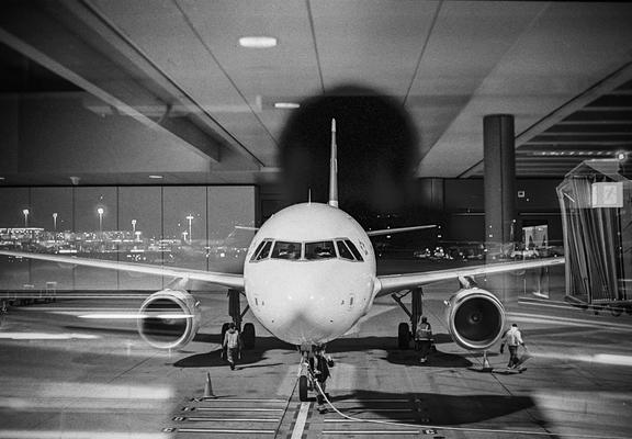 Flugzeug der Swiss, Flughafen Zürich, Nikon F80