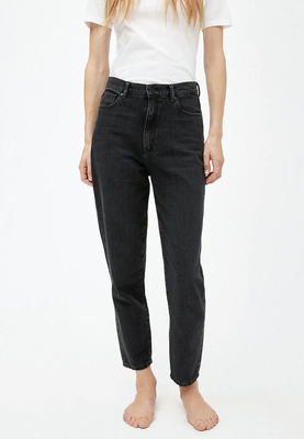 MAIRAA Mom Fit High Waist washed down black – € 109,90