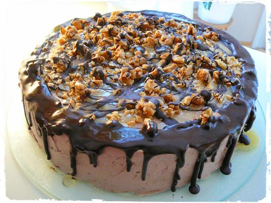 Salted Peanuts + Caramell Chocolatecake