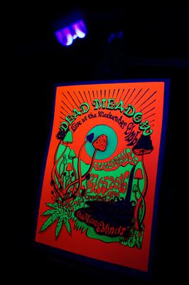 """Plakat """"Dead Meadow"""" 5-Farb Siebdruck mit Fluoreszierenden Farben"""