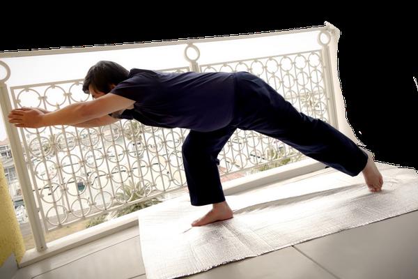 ⑧ 体重を前方に移す 後ろ足はつま先立ちになって 体重を前足に乗っけてゆく