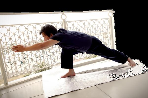 ⑦右膝を90度に折り曲げたまま前屈する。胴体を太ももの上に乗っける