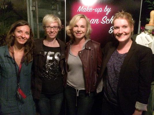 Nach der Modenschau waren alle glücklich. v.l: Nicole Dannecker, Anke Loibl, Saskia Valenzia und Susan Schmeier