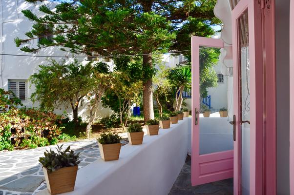 Paros Naoussa pink