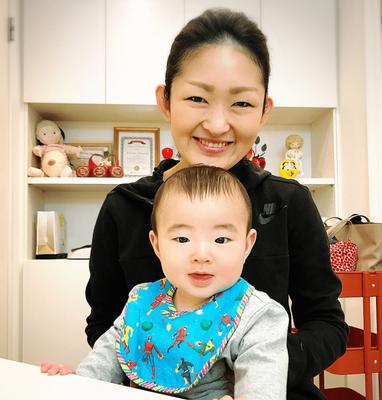 ママと赤ちゃんの笑顔