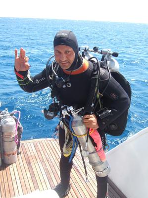 Emad Mahmoud, Instructor TDI, Tieftauchen, Gasgemische, Nitrox, Helium, Sauerstoff