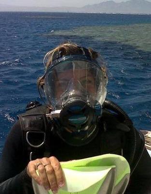 Carole Brun, Ocean Reef Full Face Mask, Safaga, Boot Onda