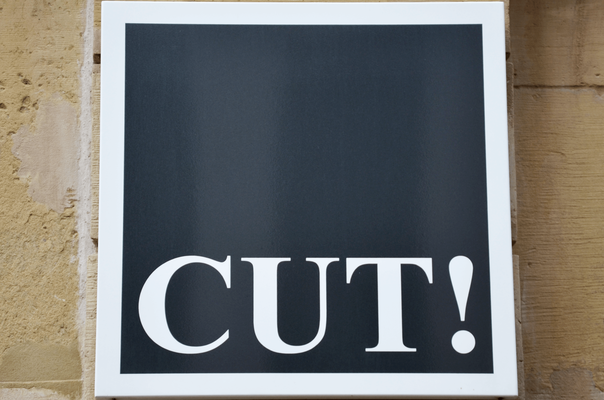 "Logo ""CUT!"" des Friseursalon ""CUT!- Der Frisör"" in Winnenden."