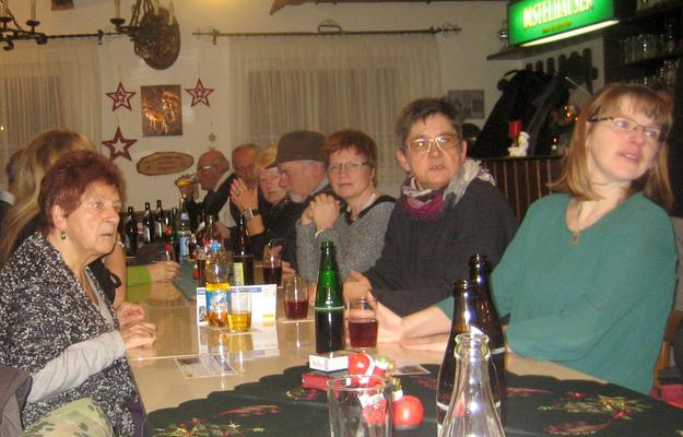 Einige Teilnehmer bei der Begrüßung zum Jahresabschluss der Walldürner Reservisten im Schützenhaus. (Bild: Rainer Weiß)