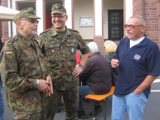 Auch unser Kreisorganisationsleiter (rechts) besuchte die Veranstaltung
