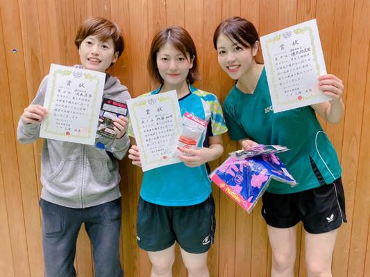女子単:岡本(真)選手、佐藤選手、塚本選手