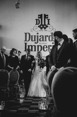 Ein Brautpaar im Dujardin.