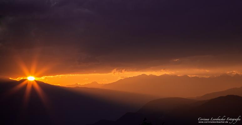 Sonnenuntergang über Bozen
