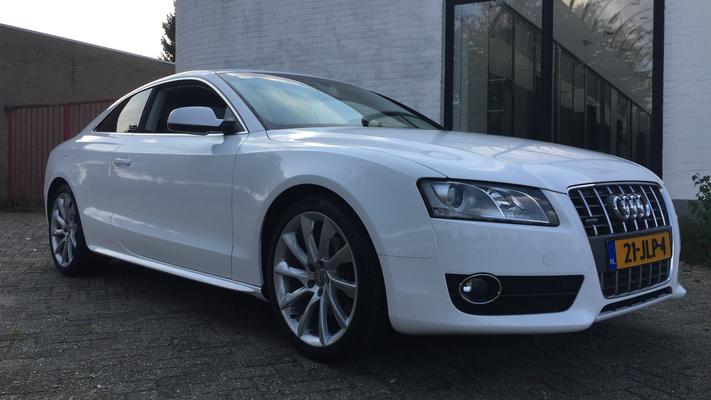 A5 coupe van grijs naar wit