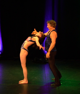 Tanz-Akrobatik Show Act Jugglers Park in Berlin 2017 Christian und Melanie