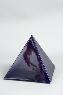 Pyramide blau
