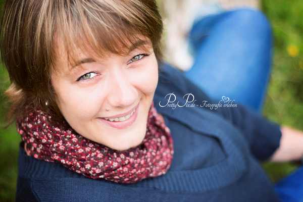 Lächeln, Portraitsshooting in Lübeck, Fotostudio Stockelsdorf, pretty-pix.de, Doreen Werner