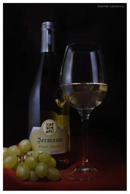 still life  vino