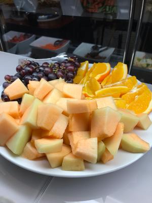 お肉や甘いデザーを食べた後はフルーツでさっぱりと。【Choupana】
