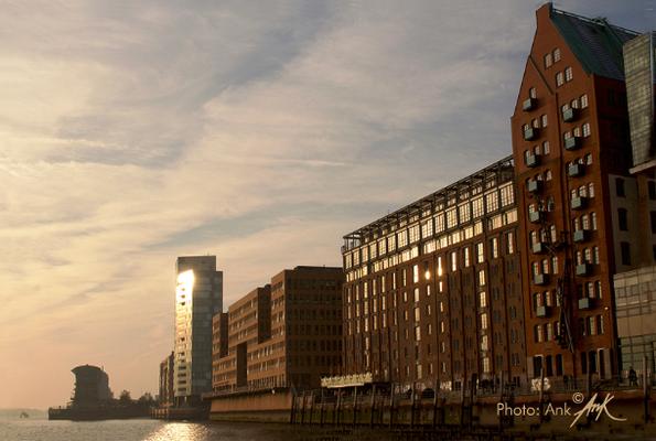 _shine on your way_ Hamburg / Holzhafen, Foto: (c)Ank 7/2016