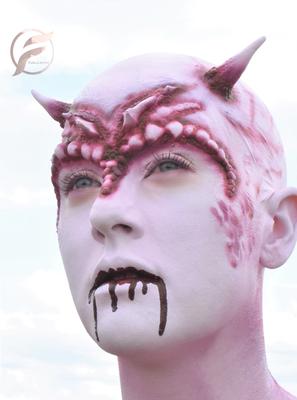 Special make up met latex prostetics gewerk en airbrush.
