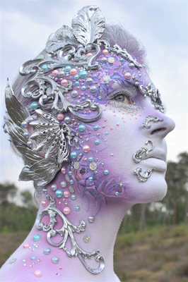 Special make up airbrush effecten en zelfgemaakte ornamenten