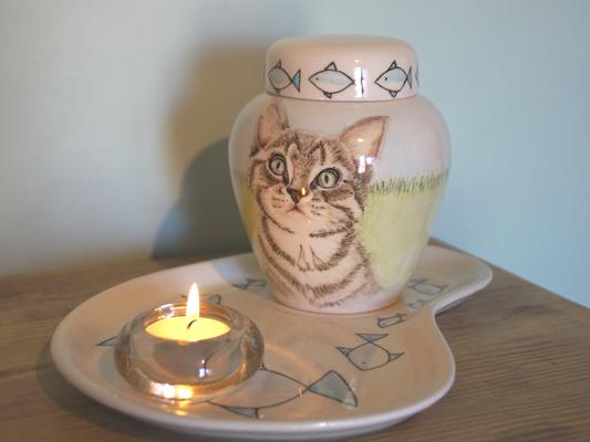 Bijzondere-dierenurnen-keramische-urn-Urn-voor-kat-bijzondere-urnen-originele-urnen-voor-huisdieren-persoonlijke-urn-laten-maken-handbeschilderde-dierenurnen-urn-kat-katten-urn-kat-urnen-voor-dieren-handgeschilderde-dierenurnen-handbeschilderde-urnen-kat