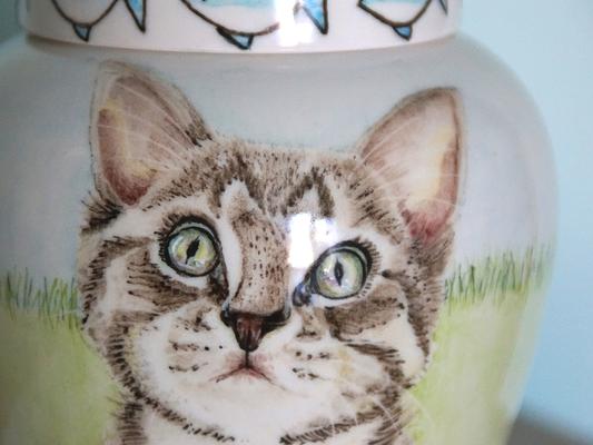 exclusieve-dierenurnen-keramische-dierenurn-Urn-voor-kat-kleine-urn-voor-thuis-originele-urnen-voor-huisdieren-persoonlijke-urn-laten-maken-handgeschilderde-urnen-kat-maatwerk-urnen-persoonlijke-urnen-huisdier-urn-voor-kat-urn-kat-urnen-voor-dieren