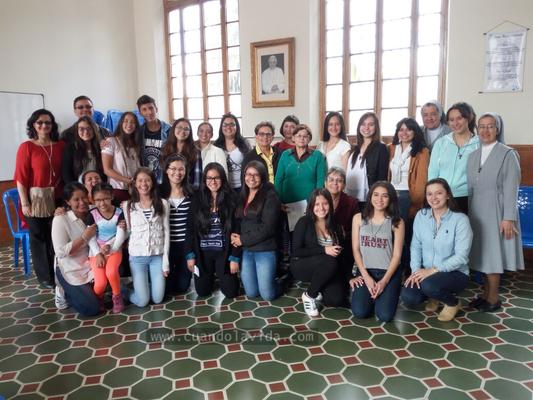 Preparación para el voluntariado estudiantes, padres de familia y exalumnas. Colegio Centro María Auxiliadora. 2016