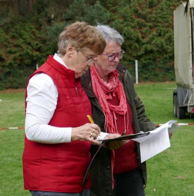 Rosemarie Neuwardt und Petra Biallas