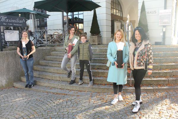 von Links nach Rechts: Christina Diessl (2.Platz), Sjoukje van Heesch (1.Platz), Annika Weitz in Vertretung für Elke Knorr (3. Platz), Daniela Krah (Schriftführerin ILM)