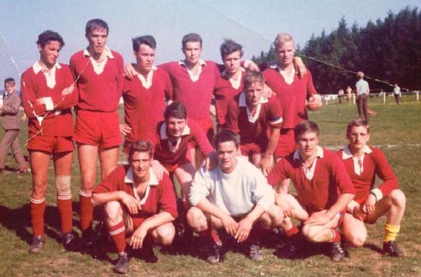1969/70- SG Hausen/Fussingen,  Meister der Fußball-B-Klasse Limburg  I Peter Schäfer untere Reihe ganz rechts